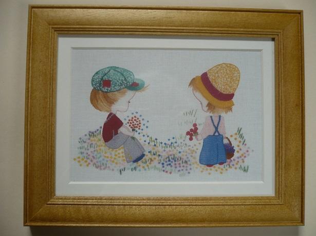 刺繍デザインプリント003:少年と少女のポルカの額